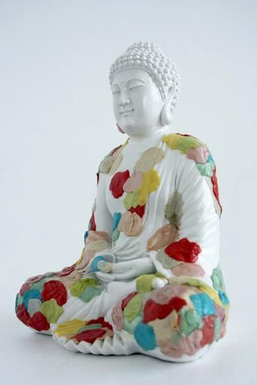 Estatua de buda con chiclets (versión 2)