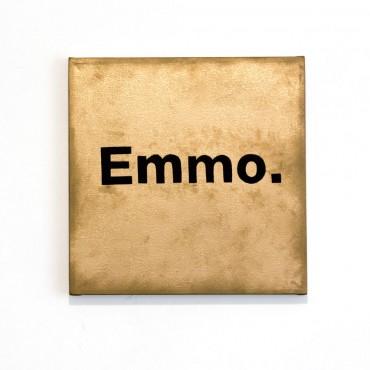 Emmo.